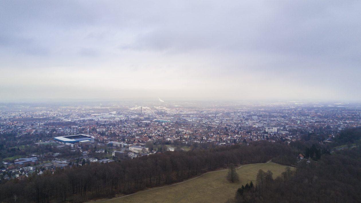 Blick vom Teutoburger Wald über Bielefeld